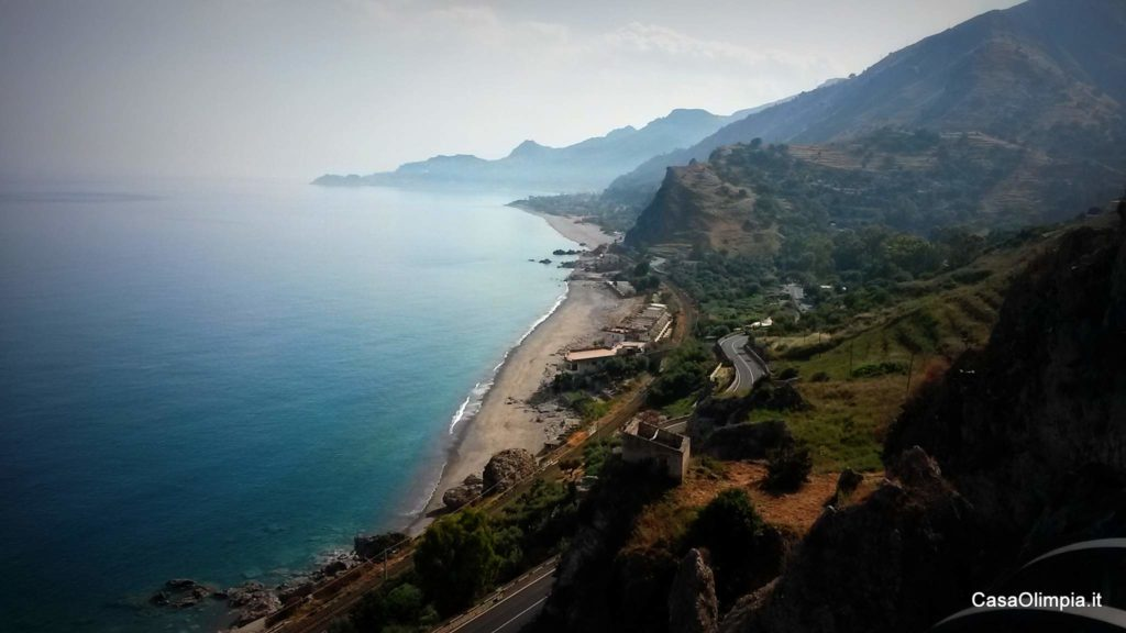 Baia di Taormina vista da Sant'Alessio Forza d'Agro