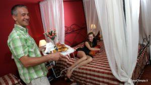 Camera Romantica colazione in camera gratuita