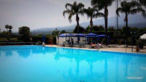 A pagamento piscina esterna sul mare a 4,5km dal B&B