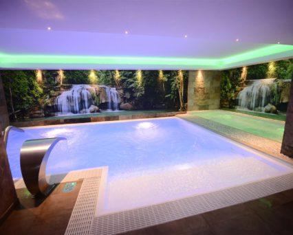 SPA esterna 350mq Piscina riscaldata, vasca idromassaggio, doccia emozionale, area termale, bagno turco, sauna, stanza del sale