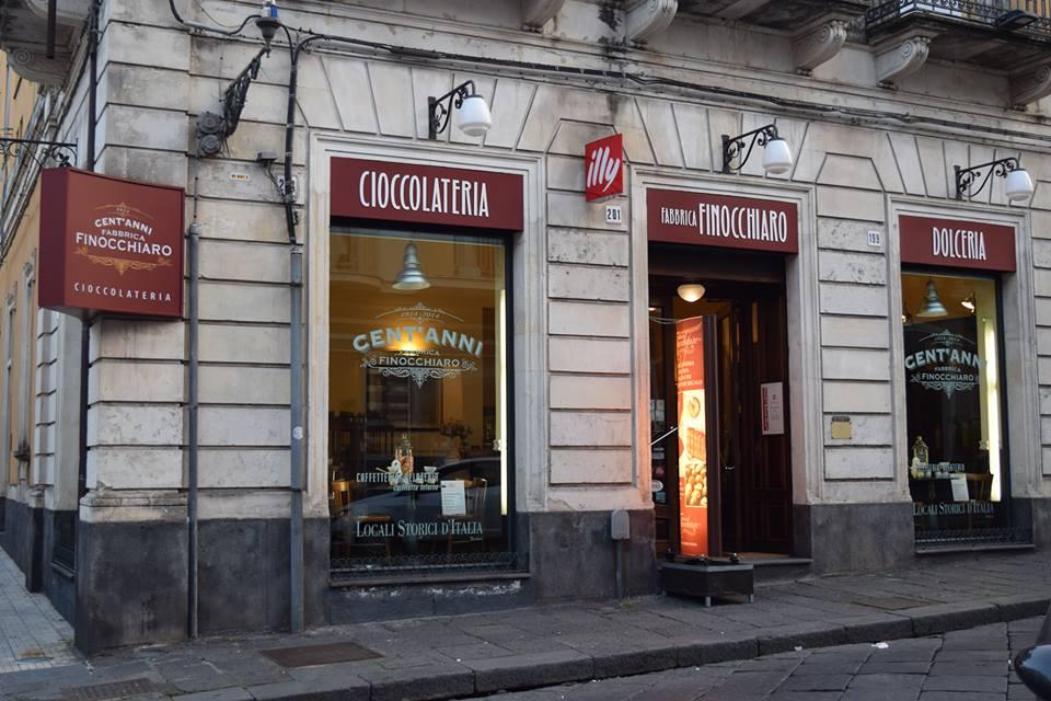 fabbrica-cioccolato-finocchiaro-giarre-corso-italia-locale-storico-sala-the-caffe-letterario-museo