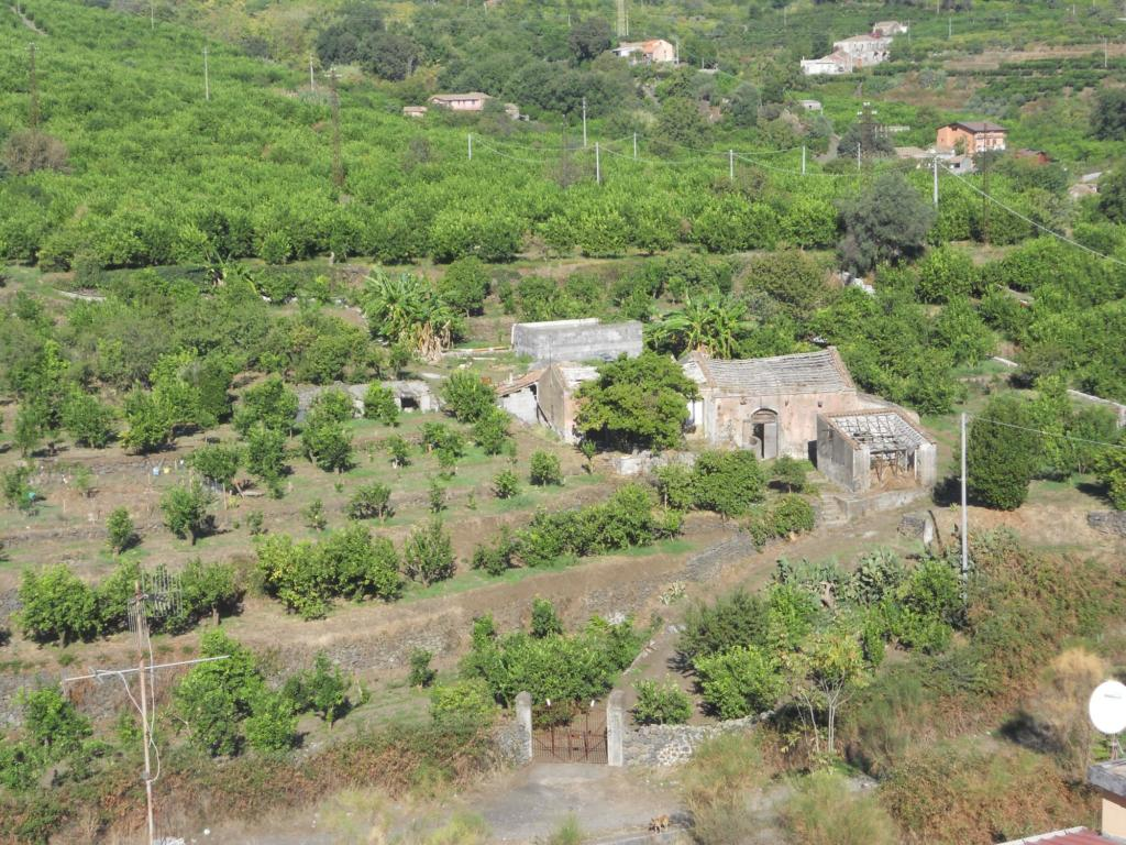 Vendesi terreno con rustico Agriturismo vendesi su progetto Stato Attuale